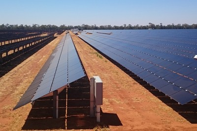 solar-panels-at-Nyngan