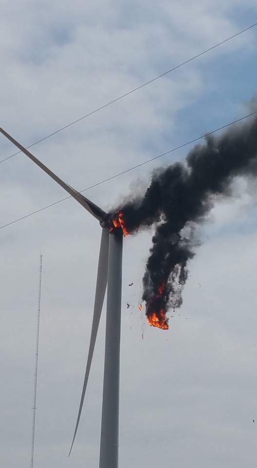 Texas turbine fire 01